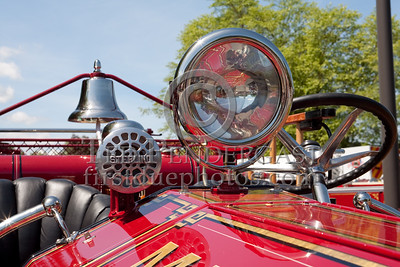 Siren, Light & Bell - Former Marion MA Engine Co.1 - 1926 Maxim Pumper. Photo Taken At The 2009 Lynnfield MA SPAAMFA Muster