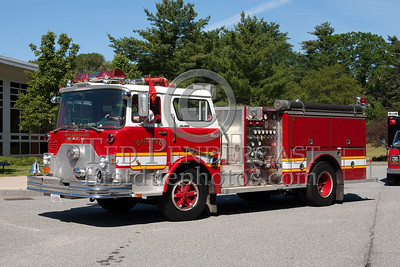 Former North Reading Engine Co.7 - 1975 Mack CF 1250gpm/500gal . Photo Taken At The 2009 Lynnfield MA SPAAMFA Muster