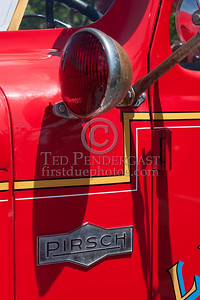 Warning Light And Pirsch Logo -  Former Lincoln MA Engine Co.1 - 1957 Pirsch. Photo Taken At The 2009 Lynnfield MA SPAAMFA Muster