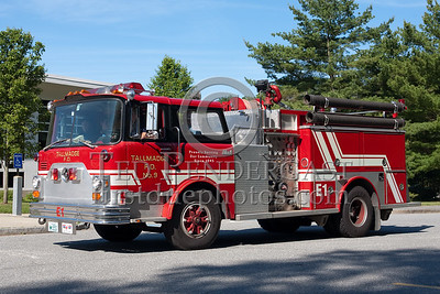Former Tallmadge OH Engine Co.1 - 1976 Mack CF 1000gal tank. Photo Taken At The 2009 Lynnfield MA SPAAMFA Muster