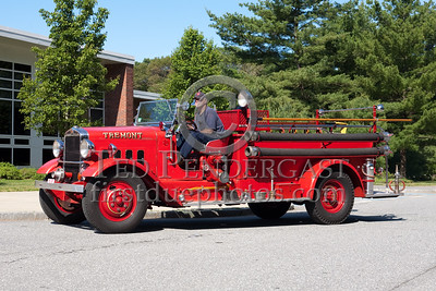 """Tremont"" Unknown Antique Engine. Photo Taken At The 2009 Lynnfield MA SPAAMFA Muster"