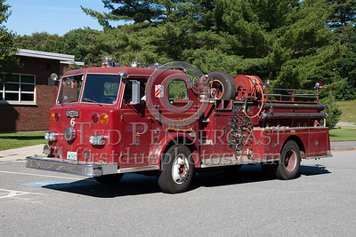 Former Newburyport MA Engine Co.6 - 1968 Pirsch 1250gpm/300gal. Photo Taken At The 2009 Lynnfield MA SPAAMFA Muster