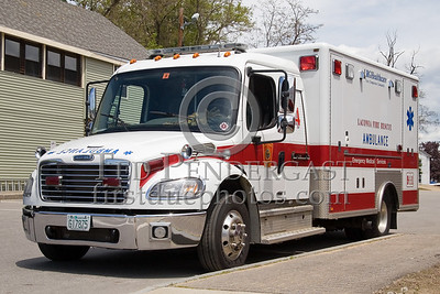 Laconia,NH 13-Ambulance-4 2004 Freightliner/Horton ALS Unit - Box 52 Association Bus Trip to Southern NH with visits to the NH State Fire Academy in Concord NH and the Laconia NH Fire Dept.