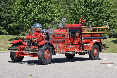 North Attleboro, MA - Antique Ahrens Fox - Engine Co 1 - IFBA National Convention (NEFCON '07) - Boston to Providence Bus Trip