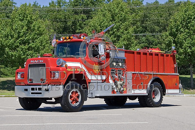 Cumberland, RI - Valley Falls Fire Dept - Engine Co 1 - IFBA National Convention (NEFCON '07) - Boston to Providence Bus Trip