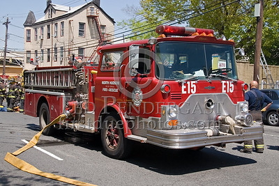 North Hudson Regional Fire & Rescue, NJ - Engine 15 - 2 Alarms Transmitted On Arrival For A Fire In A Store Front At 530 31st. Street In Union City, New Jersey.