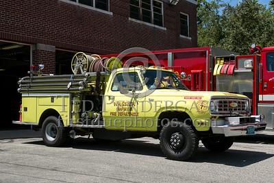 Warren MA Engine Co.5 1975 Dodge Power Wagon/Pierce 400/250 - 2013 Box 52 Assn Bus Trip - Quaboag Valley Mass
