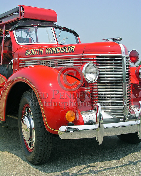 South Windsor,ME Antique Pumper - Maxim / Diamond-T