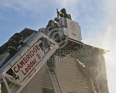 Cambridge Ladder 2 operating on the Otis St side