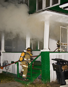Detroit,MI - Working Fire 4750-4754 Seyburn St. - Arson fire in 1.5-sty woodframe occupied dwelling. 20:30hrs.