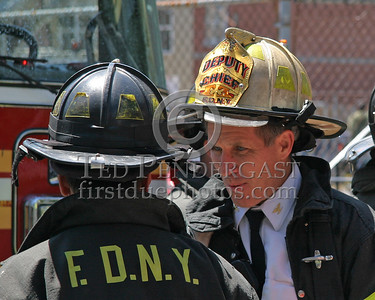 """Eyes Of Experience"" - FDNY Deputy Chief at a 2nd Alarm in the Bronx"
