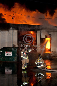 Fairfield NJ (Essex Co) - 5 alarms for a warehouse at 1275 Bloomfield Av