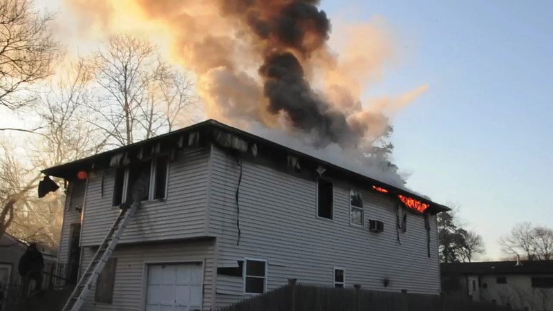 Wyandanch Fire Co. Signal 13 78 Lake Dr. 3/20/13