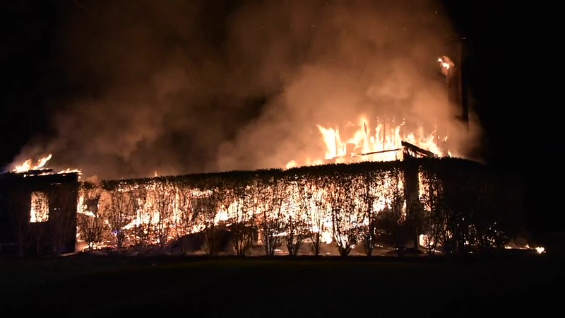 Westbury Building Fire on Old Post Rd. 10/22/17