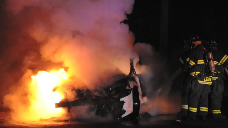 Massapequa F.D. Car Fire East Chestnut Street 12/19/13