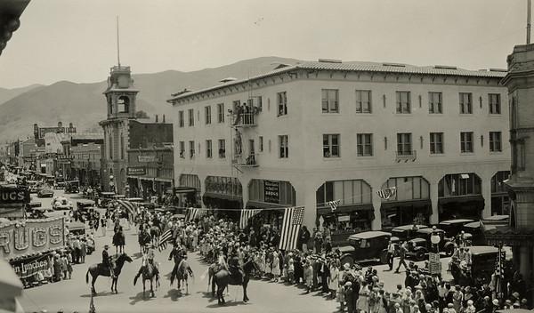 1930s La Fiesta Parade. #01.01.3021
