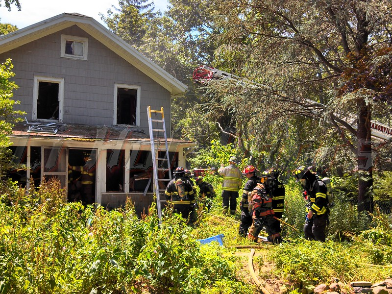 07-07-2013 1110 am Manorville House Fire on Wading River Manor Rd (23)