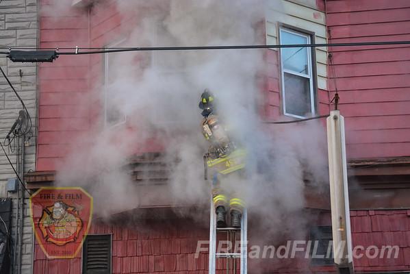 Schuylkill County - Frackville Borough - Working Fire - 11/21/2014