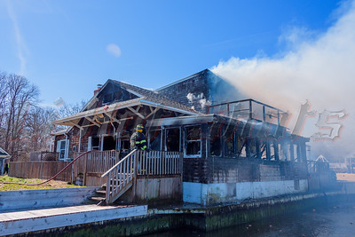 2016/03/30 Center Moriches House Fire