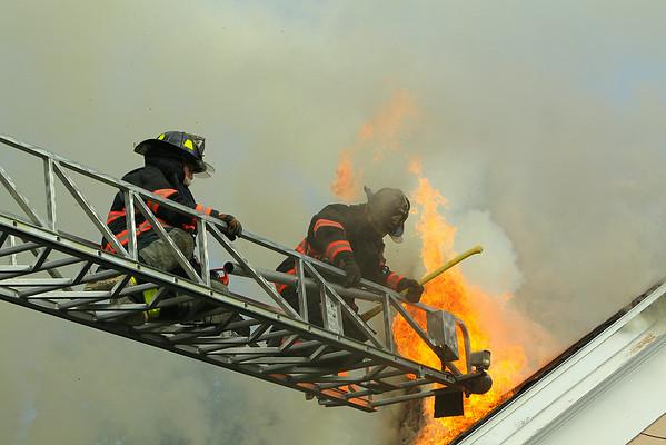 3 alarm Fire Ayer Ma - July 3 2014