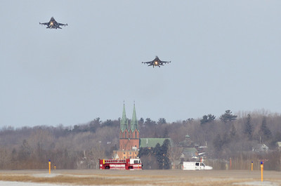 Fenway 21 & 22, Vermont Air Natl Guard F16s on final approach at Burlington (Vt) Airport for Fenway 21 to make an emergency landing after declaring an in flight emergency.