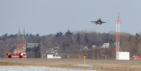 Fenway 21, Vermont Air Natl Guard F16 on final approach at Burlington (Vt) Airport after declaring an in flight emergency.