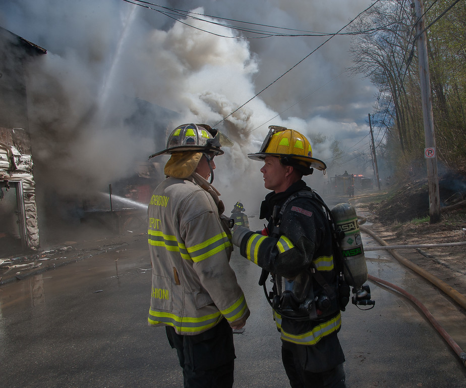 Gardner Lt Mike Boris (left) gives instructions to Winchendon Deputy Chief Ricci Ruschioni as Mutual Aid begins to arrive.