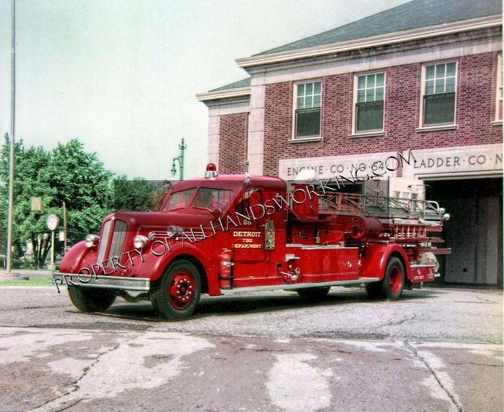 Detroit Ladder 28 Seagreave (Copy)