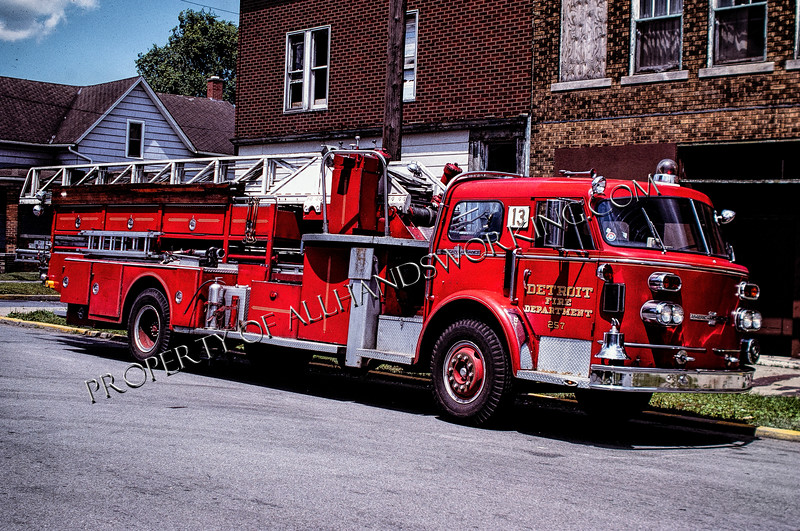 Detroit Ladder 13