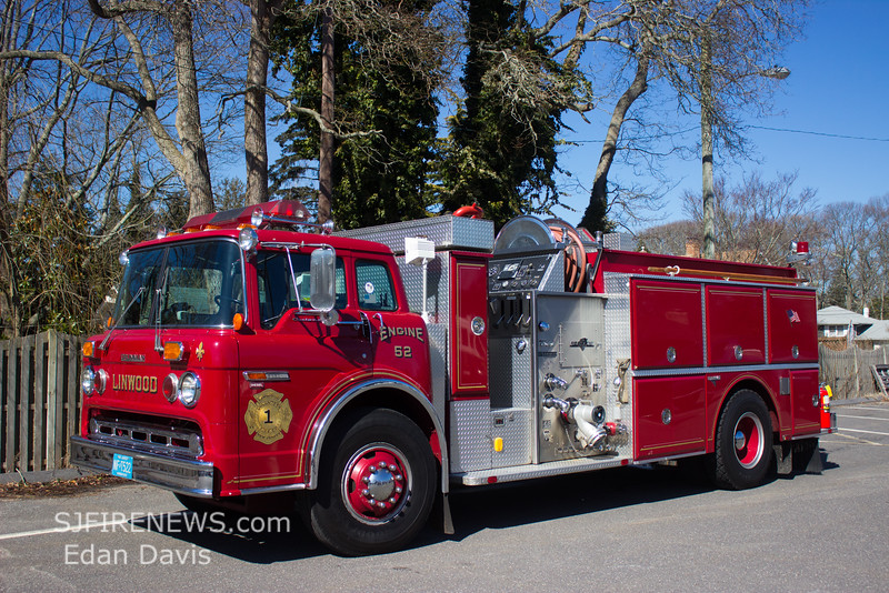 Linwood, Atlantic County NJ, Engine 52, 1986 Ford 8000 -Grumman, 1250-750, (C) Edan Davis, www sjfirenews com
