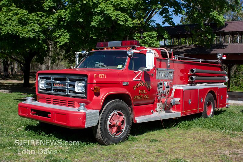 Dorothy, Atlantic County NJ, EX Engine 12-71, 1973 GMC-Hahn 750-500, (C) Edan Davis, www sjfirenews com