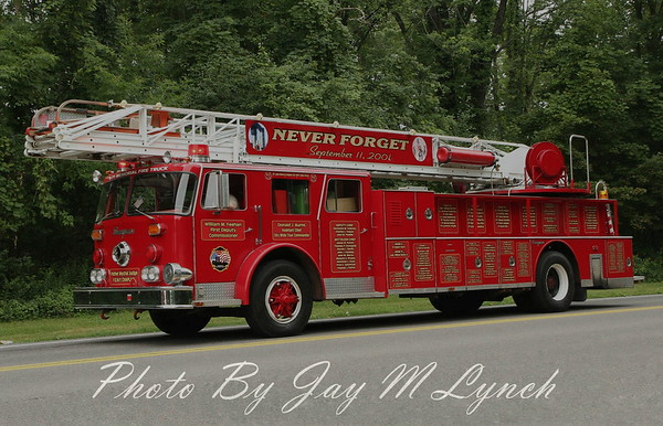 """ Never Forget the 343""    9-11 Memorial 1981 Seagrave Ladder"