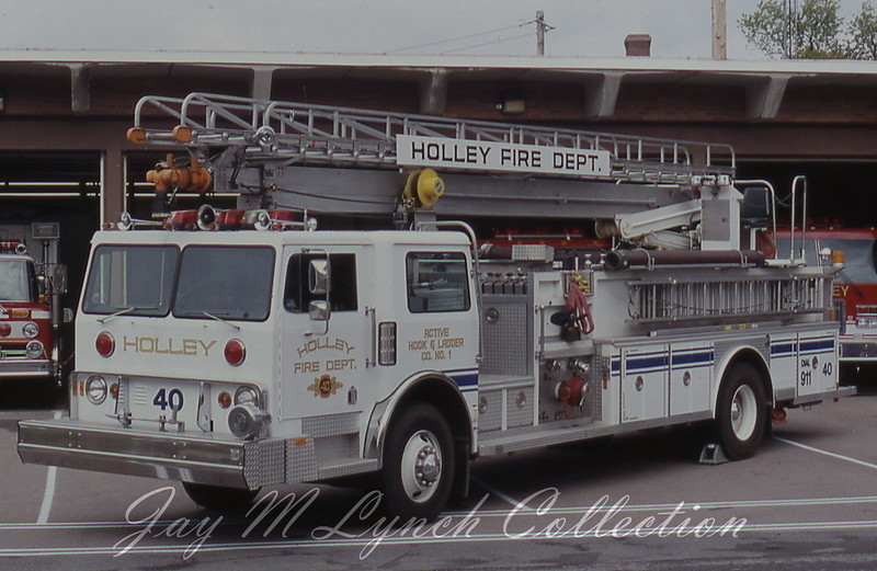 Holley FD - Quint 40 - 1976 Hendrickson/Emergency One - 1500/500/55' - Purchased slide, Photographer Unknown.