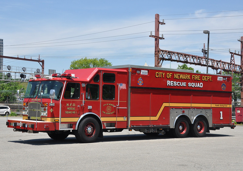 Newark FD Rescue 1