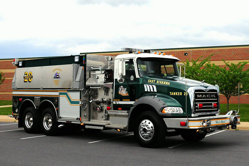 EAST RIVANNA, VA TANKER 28 - 2007 MACK GRANITE/ PIERCE 1500/ 2500/ 30