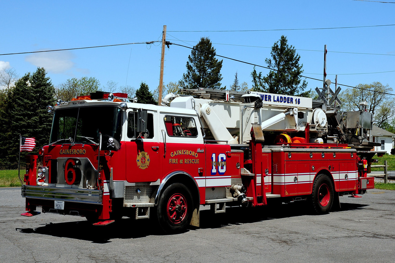 GAINESBORO, VA TOWER LADDER 16   1982 MACK CF/BAKER 75' EX-NORTH LINDENHURST, NY