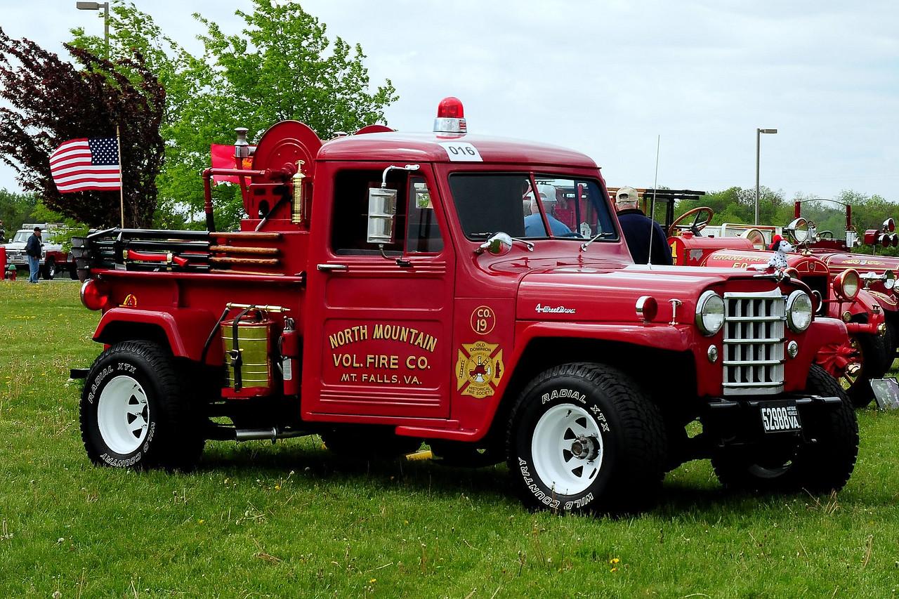 MT FALLS,VA   1953  WILLY'S BRUSH TRUCK  250/150