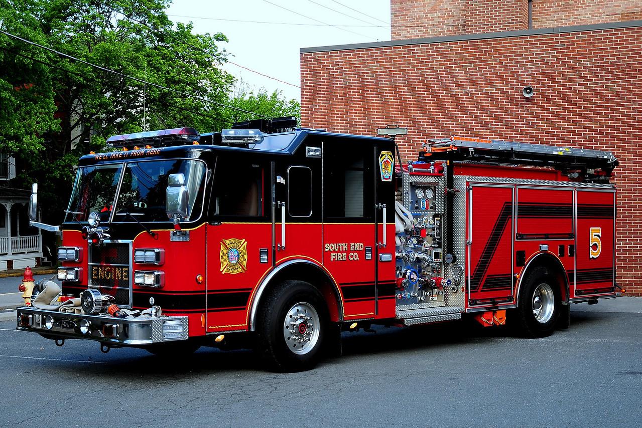 WINCHESTER, VA (SOUTH END FC) ENGINE 5  2001 PIERCE DASH 1500/ 750/ 40