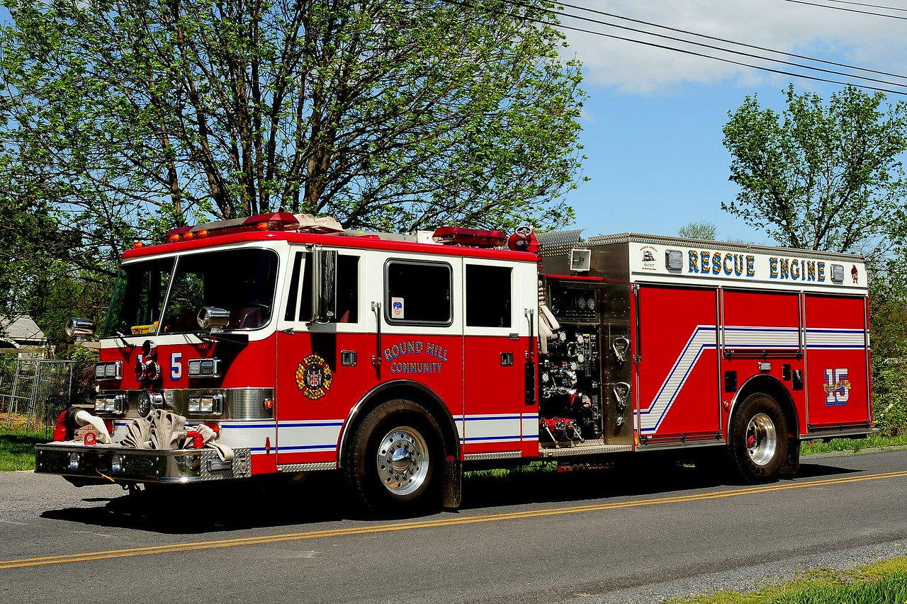 ROUND HILL, VA RESCUE-ENGINE 15  1996 PIERCE ARROW 1250/ 500/ 40B