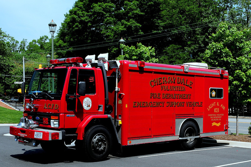 Arlington County  Cherrydale    Light & Air    Unit  103    1988  Ford  Cargo 7800 / Hackney