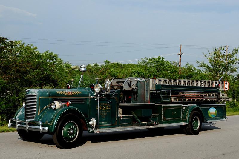 Bridgewater Vol Fire Co   Bridgewater, Va   Truck  102   1940 PIRSCH 65ft