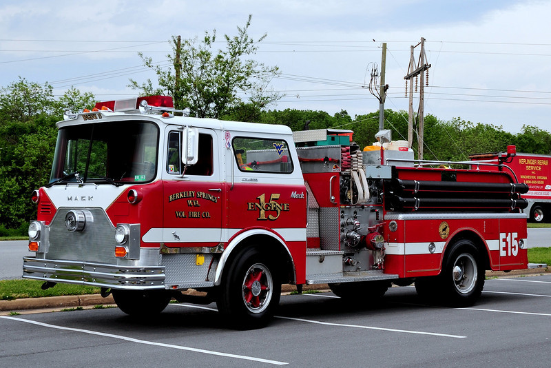 Berkley Springs, WV   Engine 15   1970  Mack CF  1000/ 500