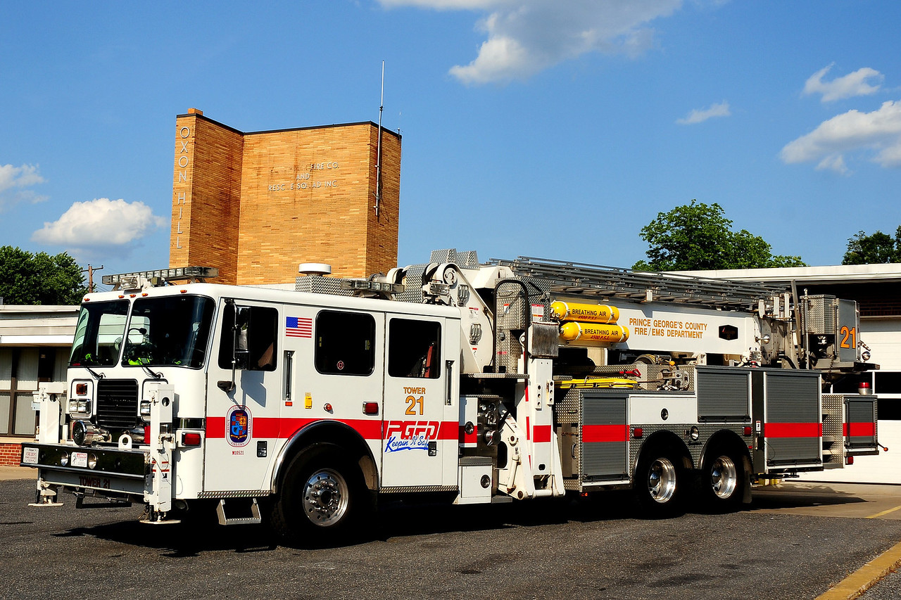 Oxen Hill   Tower  821  2005  Seagrave/ Aerialscope  95Ft