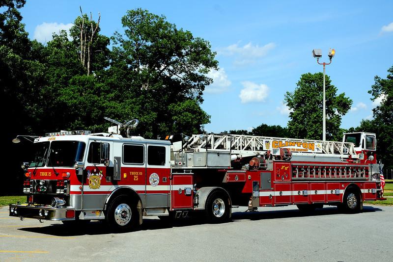 Clinton Fire Dept    Truck  25   1992  Penfab/ LTI  100ft