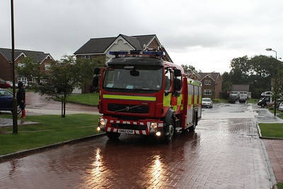 SN60EKR has arrived from Larbert.  Fay in the red wellies looks to be supervising.....