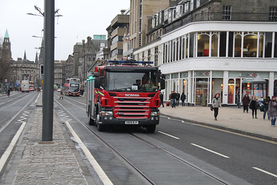 SN09BJY is presumably McDonald Road bound on Princes Street