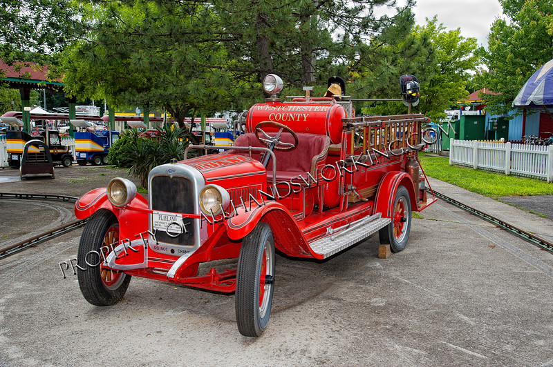Rye Playland antique fire engine