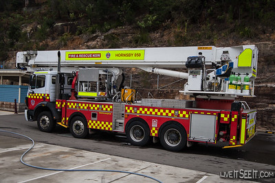 Bronto Aerial appliance from FRNSW Hornsby station, which was not put to work.