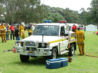 Wanneroo BFB Light Tanker 3 Photo October 2004