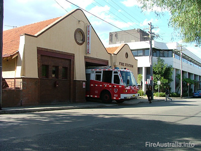 NSWFB 53 Neutral Bay Fire Station NSWFB 53 Neutral Bay Fire Station  April 2006